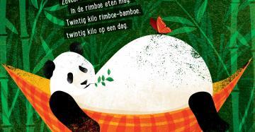 """Poster voor Poëziester met panda in hangmat. Het gedichtje op de poster luidt als volgt: """"Panda  Ik eet bamboe in de rimboe. Hoeveel bamboe eet ik dan? Hoeveel verse rimboe-bamboe? Zoveel bamboe als ik kan. Zoveel bamboe als een panda in de rimboe eten mag. Twintig kilo rimboe-bamboe. Twintig kilo op een dag."""""""
