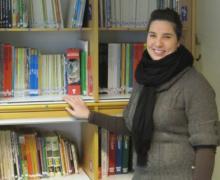 Boekenjuf Vanessa voor het boekenrek