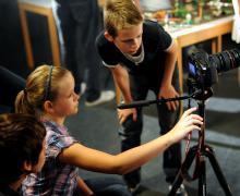 Kinderen filmen met professionele camera