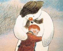Knuffel tussen Simon en de Sneeuwman