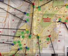 Afstanden op kaart aangeduid met draad. In het midden van de kaart ligt Vorst