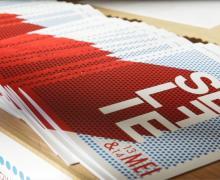 Boekjes voor het project Selfie. Cover is rood met wit